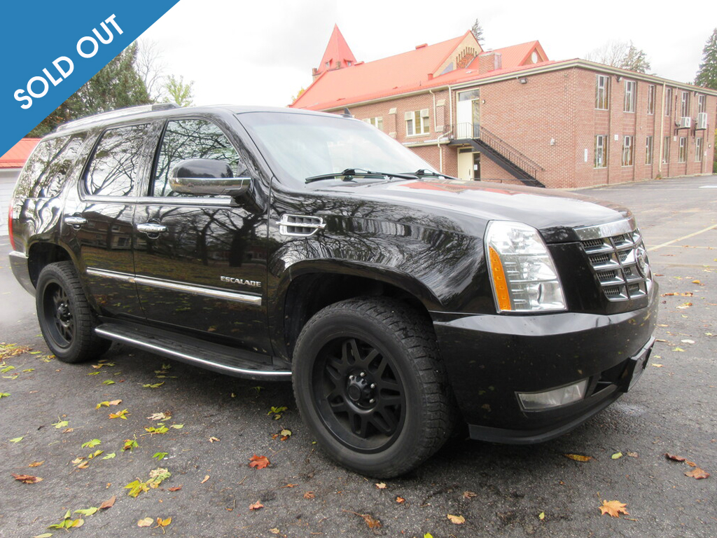 2012 Cadillac Escalade AWD 4dr Luxury Soldout